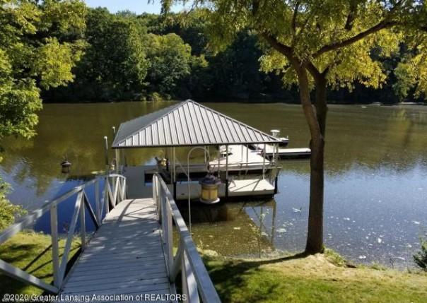 4035 River Cove, Lansing, MI, 48917