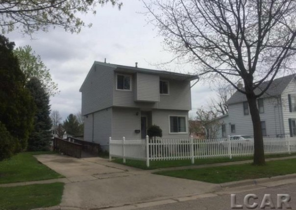 815 Mulberry Adrian, MI 49221 by Foundation Realty, Llc $49,900