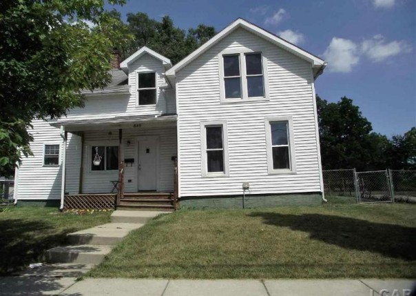 645 Division Adrian, MI 49221 by Xsell Realty $98,900