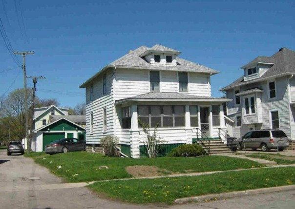 121 ARBOR AVE Monroe, MI 48162 by Blanchette Real Estate $39,900