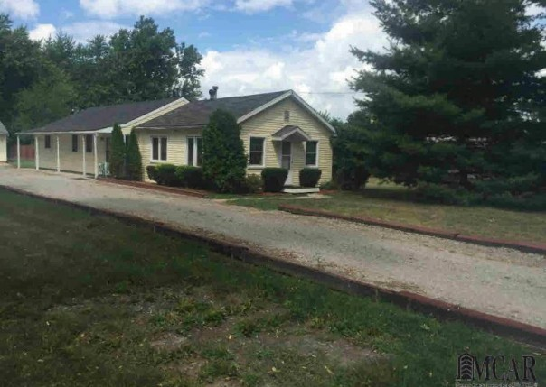 7503 S TELEGRAPH RD Temperance, MI 48182 by Welles Bowen Gio Realty Inc. $99,900
