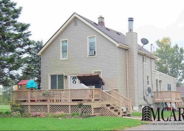 3994 WILL CARLETON DR Flat Rock, MI 48134 by Re/Max Masters, Inc. $234,800