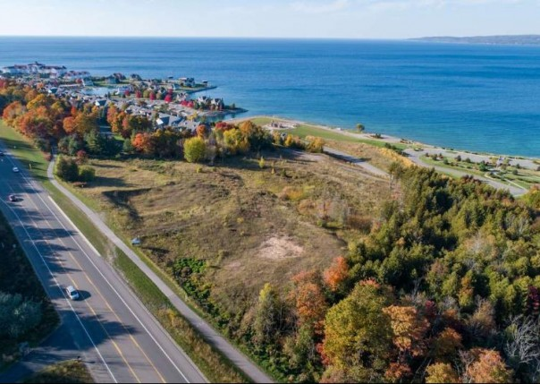 3154 Charlevoix Petoskey, MI 49770 by Kidd & Leavy Real Estate Co. Llc $1,199,000
