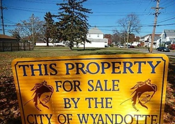 452 2nd,  Wyandotte, MI 48192 by Re/Max On The Boulevard $10,000