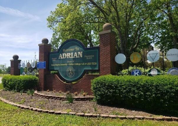4581 N Adrian, Adrian, MI, 49221