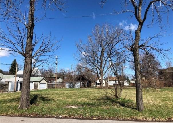 1570  Perry,  Detroit, MI