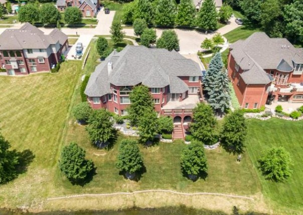 8938 Inverness, Washington, MI, 48095