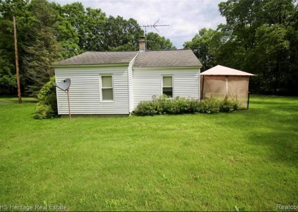 2250 Faussett, Howell, MI, 48855