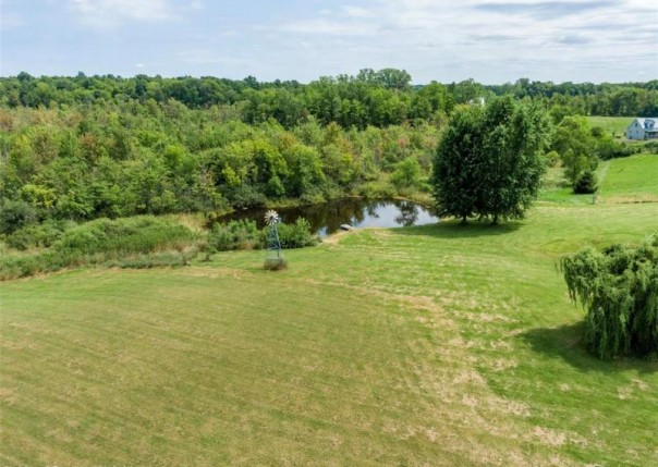 3966 Loves Creek, Howell, MI, 48843