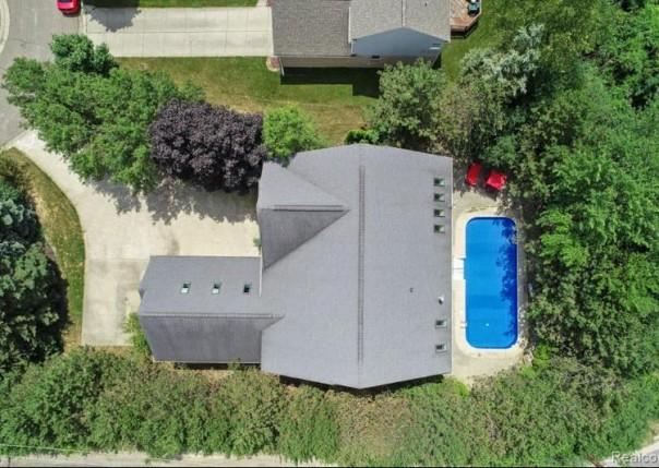 2104 Timberridge, West Bloomfield, MI, 48324
