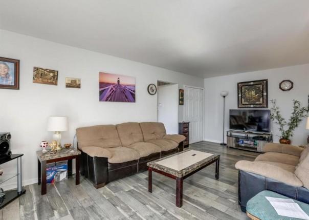 39447 Van Dyke  Unit 211, Sterling Heights, MI, 48313