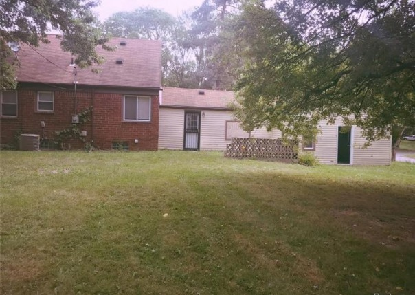 1156 Colonial Dr, Inkster, MI, 48141