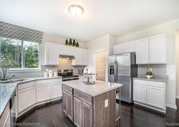 12273 Lincolnshire, Sterling Heights, MI, 48312