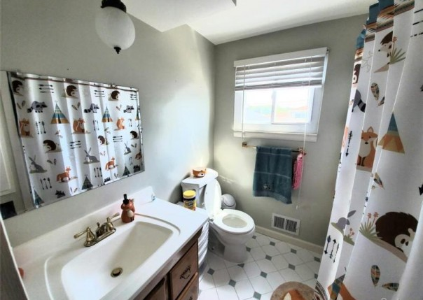 2724 Pall Mall, Sterling Heights, MI, 48310
