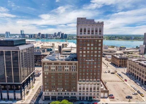525 W Lafayette,  Detroit, MI