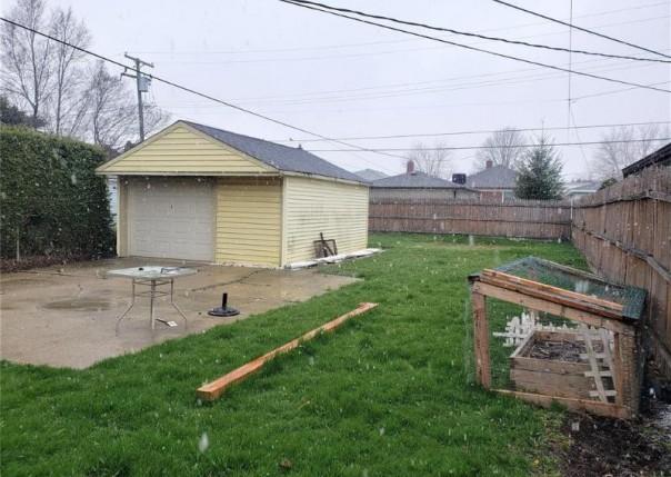 23765 Rosalind, East Detroit, MI, 48021