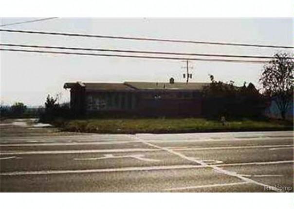 9040  Davison,  Davison, MI 48423 by Alta Vista Realty $349,500