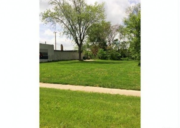 2716 S Saginaw St,  Flint, MI 48503 by Real Living Tremaine Real Estate.com $6,900