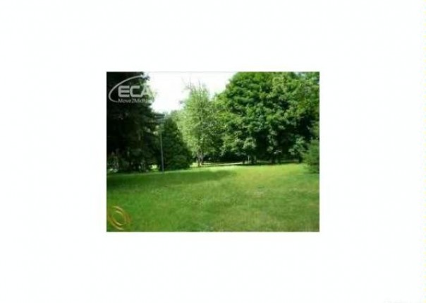 673  Crescent Lake Rd,  Waterford, MI 48327 by Changingstreets.com $19,900