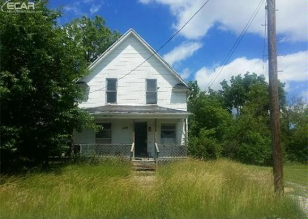 1224 N Grand Traverse St,  Flint, MI 48503 by Remax Real Estate Team $4,400