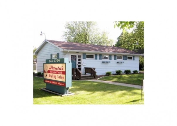 511 E Broad St,  Chesaning, MI 48616 by Remax Tri County $69,900