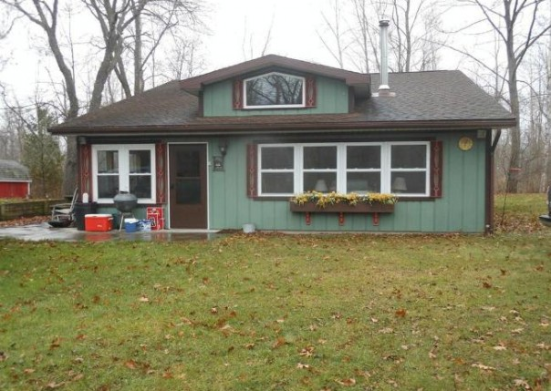 4175 W Taral Terrace Dr Au Gres, MI 48703 by Area Wide Real Estate $99,900