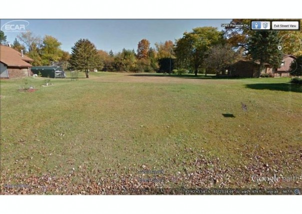 0  Parview,  Clarkston, MI 48436 by Changingstreets.com $49,900