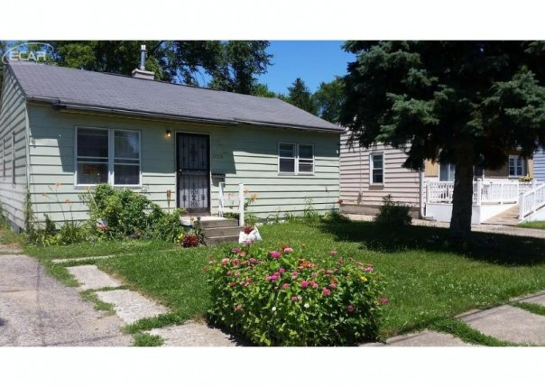 3123  Maryland Ave,  Flint, MI 48506 by Remax Real Estate Team $11,500
