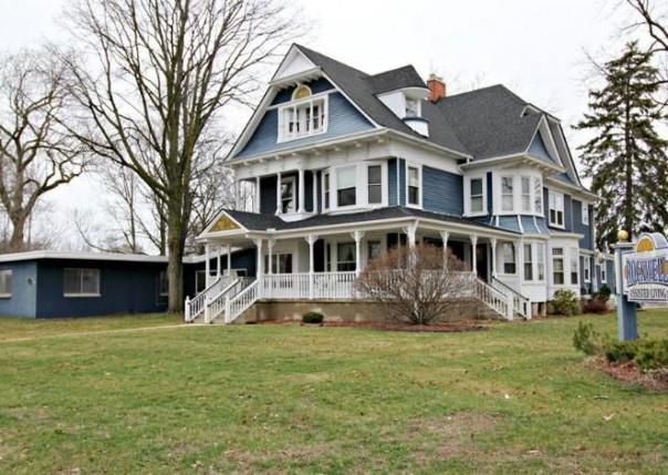 202 W Shiawassee Ave,  Fenton, MI 48430 by Lucy Ham Group Inc $450,000