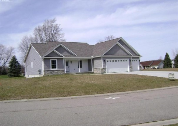 2501  Double Tree Dr,  Flushing, MI 48433 by Alta Vista Realty $289,500
