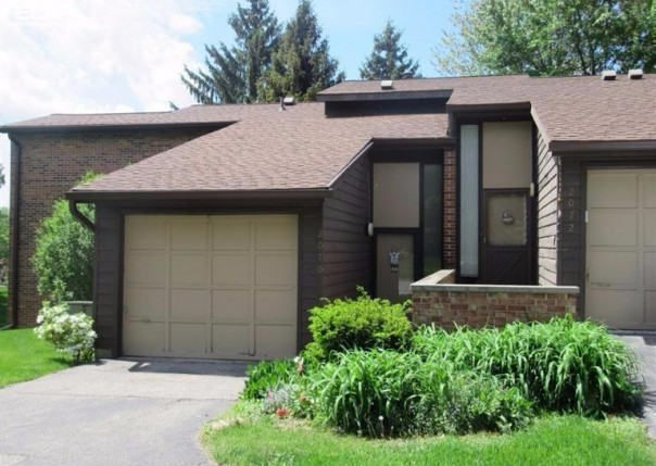 2072  Walden Ct,  Flint, MI 48532 by Remax Town & Country $99,900