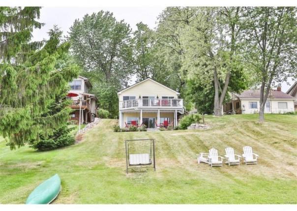 6360  Bullard Rd,  Hartland, MI 48430 by Real Living Tremaine Real Estate.com $349,900