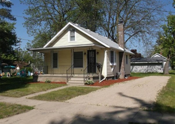 553  Harrison,  Owosso, MI 48867 by Burrell Real Estate $45,000