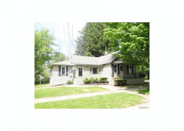 1602  Marquette St,  Saginaw, MI 48602 by Remax Right Choice $10,000