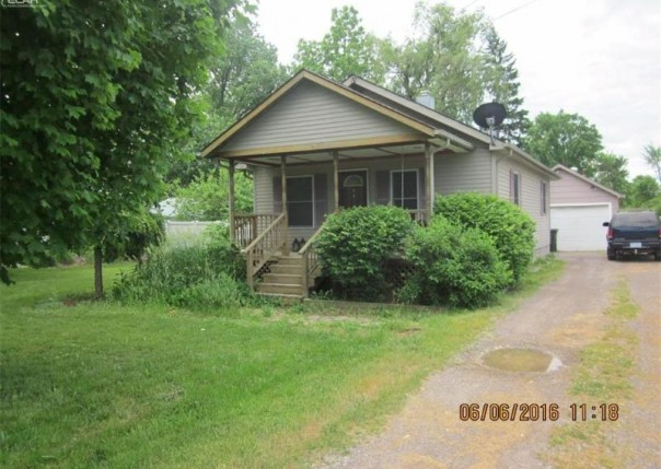 5177 W Court St,  Flint, MI 48532 by Signature Real Estate $49,900