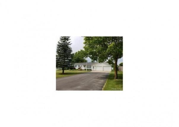 10499 E Potter Rd,  Davison, MI 48423 by Remax Platinum Fenton $149,999