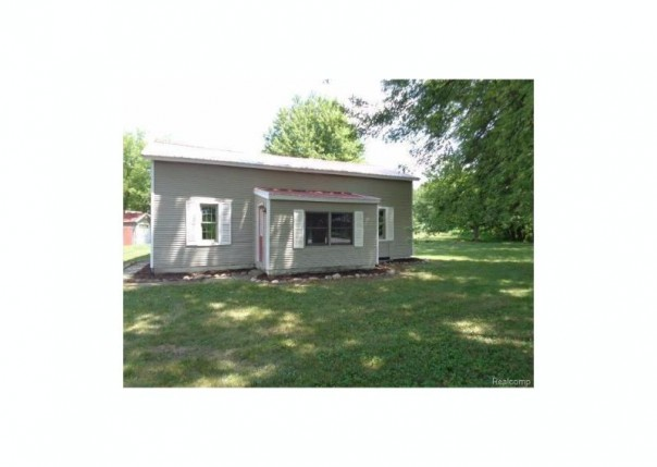 9445  Dixie Hwy,  Birch Run, MI 48415 by Remax Right Choice $47,500