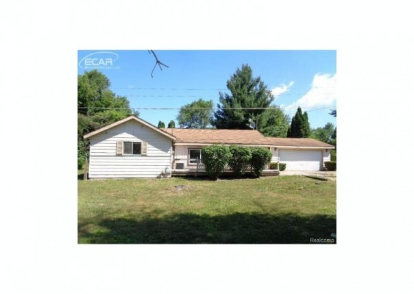 1389 E Moore,  Saginaw, MI 48601 by Remax Right Choice $24,900