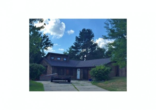2470  Solarwood Dr,  Davison, MI 48423 by Remax Real Estate Team $121,900