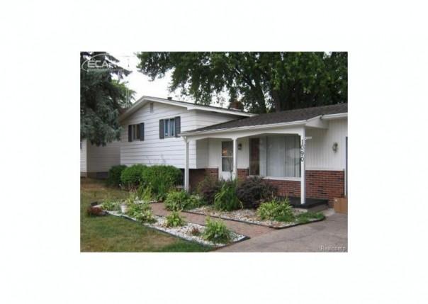 1090  Elodie Dr,  Flint, MI 48532 by American Associates Inc. $69,900