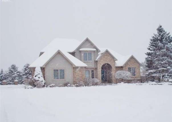 3376 Ambleside Drive Flushing, MI 48433 by Remax Town & Country $335,000