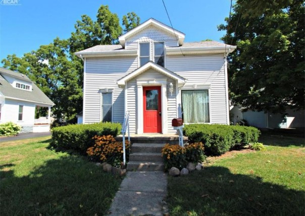 111 Elm Street Flushing, MI 48433 by Lucy Ham Group Inc $89,900