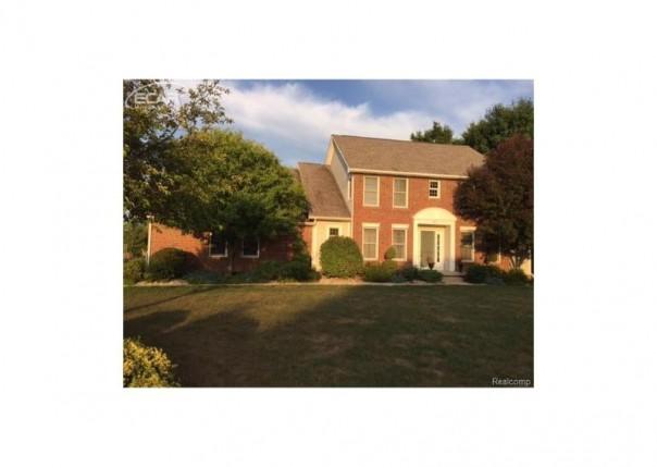 3472  Woodridge Dr,  Flushing, MI 48433 by Remax Real Estate Team $247,400
