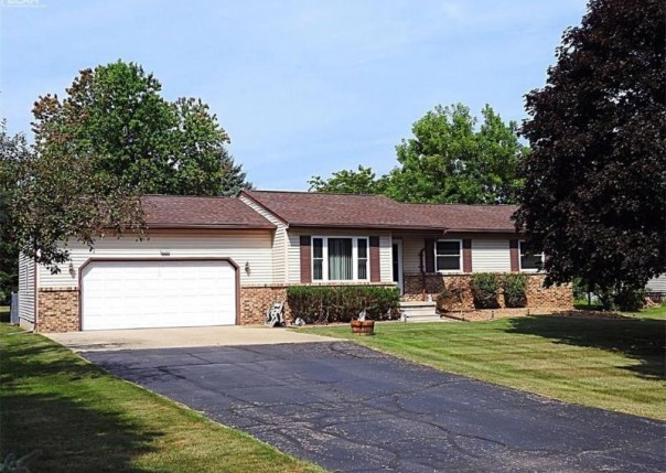 2279  Osprey Dr,  Lapeer, MI 48446 by Remax Select $136,900