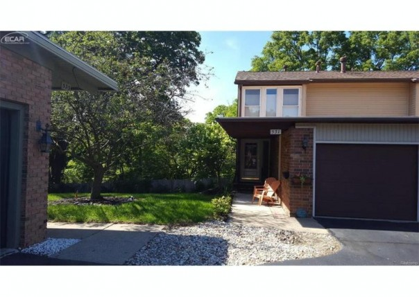 531  Oakbrook Cir,  Flushing, MI 48433 by Century 21 Woodland Realty $79,900