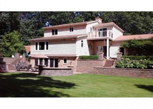 9393  Mabley Hill Rd,  Fenton, MI 48430 by Century 21 Prestige $299,999