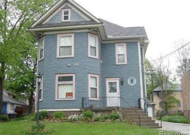 428 W Second Ave,  Flint, MI 48503 by Remax Real Estate Team $99,900