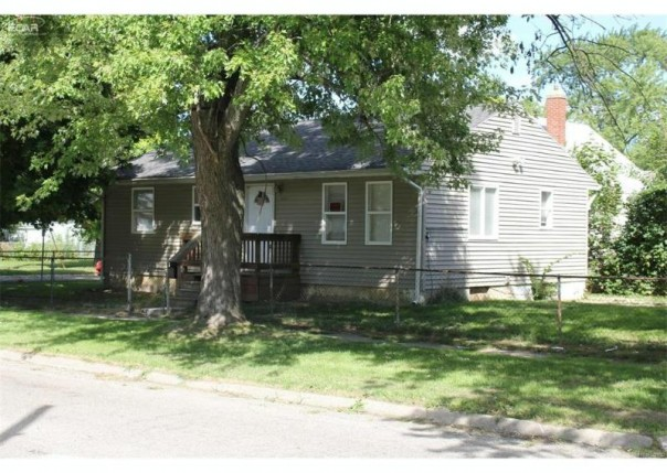1414 N Vernon Avenue Flint, MI 48506 by Remax Select $12,900