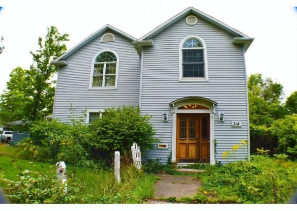 314 S Franklin Ave,  Flint, MI 48503 by Remax Select $44,990