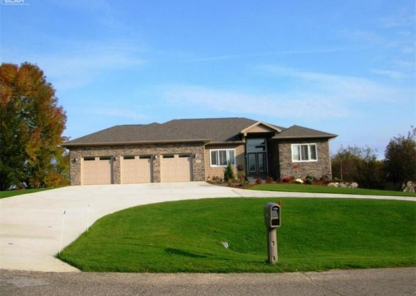 1267 Woodkrest Drive Flint, MI 48532 by Remax Select $294,900